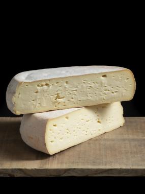 Pyrénées Vache au lait cru de la Loubières